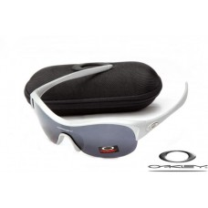 Oakley Enduring Pace Sunglasses Silver Frame Gray Iridium Lens OAKLEY20156342